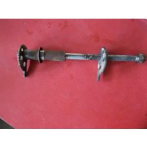 Axe de roue arrière 125 dtlc