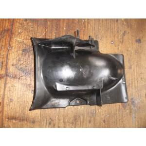 Partie interne de garde boue arrière Yamaha 125 SR (10F)
