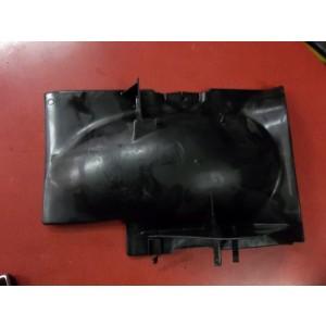 partie interne de garde boue arrière Yamaha 125 sr