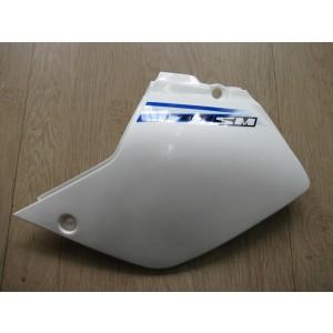 Cache latéral gauche  Suzuki DR-Z 400 2000/2009 (47211-29F10-30H)