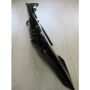 Cache latéral gauche noir Suzuki GW 250 (F) Inazuma 2013-2017 (47841-48H00-YAY)
