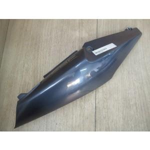 Cache latéral arrière droit Honda 600 CBF 2004-2006 (77310-MERA-D000)