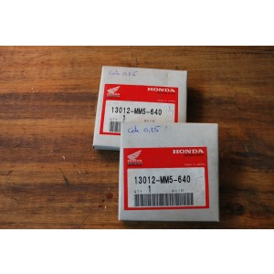 Jeu de 2 kits de segments de piston (cote 0.25) Honda CB 1000 Big One 1993-1996, CBR 1000 F 1988-2000 (13012-MM5-640)