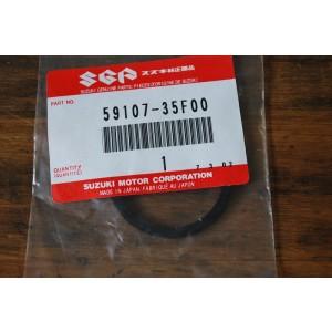 Joint de piston d'étrier avant Suzuki VX800, DR800 S 91-93, GSE 500 89-96, 400 Bandit, RGV 250 89-96, RGV 125 92-94, GN 125 82-96 (59107-35F00)