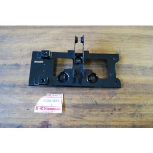 Support de batterie Kawasaki GPZ550 1983 (11036-1826)