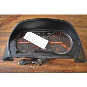Tableau de bord avec sa garniture Honda 500 VTE (PC11) 1985-1986 (71612 km)