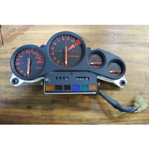 Tableau de bord Honda  VF1000 F (SC15) 1984-1985 – 35421 km