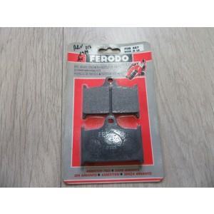 1 jeu de plaquettes de frein avant Suzuki 250 RGV 1989 (FDB 557)