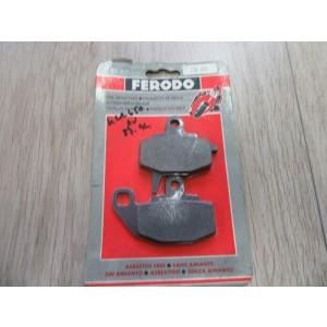 1 jeu de plaquettes de frein avant Kawasaki KLR 650 (KL650A/KL650B) 1987-91 (FDB 494)