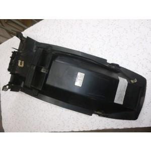 Partie interne de garde boue arrière Honda 750 VF S (RC07)