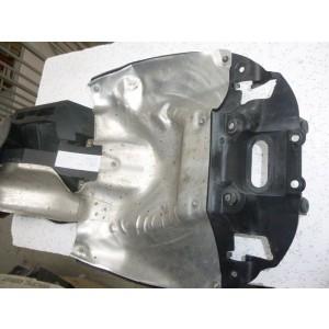 Partie interne de garde boue arrière Honda 800 VFR VTEC à partir de 2002 (RC46B)