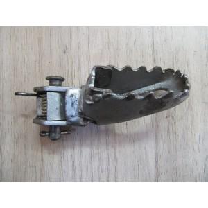 Repose pied avant droit Yamaha 125 DTLC (1HR) 1984-1988