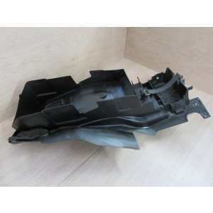 Partie interne de garde boue arrière Suzuki DL 650 V-Strom 2004-2006
