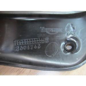 Garniture supérieure gauche Triumph 955 Sprint ST 1999-2004 (T2301743)